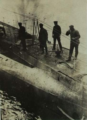 Click image for larger version.  Name:U-DEUTSCHLAND Starboard Bow w-Deck Crew.jpg Views:160 Size:63.1 KB ID:497602