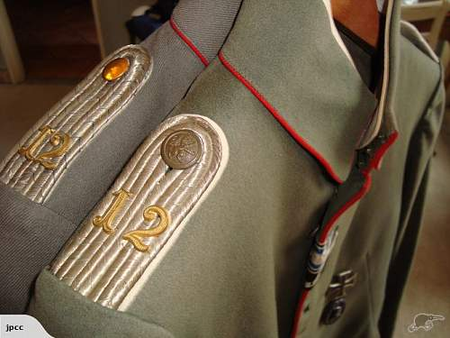 Thoughts on this officers tunic with photos