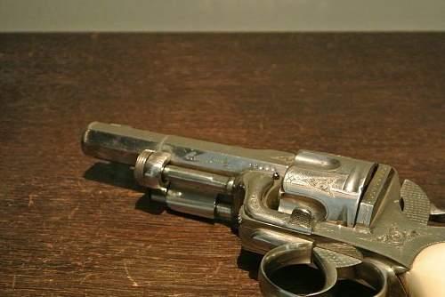 Wilhelm Kaiser's handwaffe.stunning