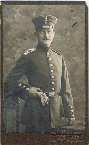 Braunschweiger Garde Grenadier w/ Totenkopf