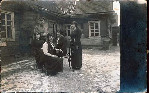 Click image for larger version.  Name:old family.jpg Views:41 Size:229.4 KB ID:862195