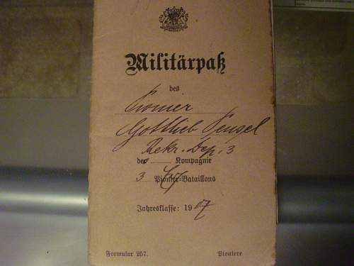 Militarpass and Soldbuch Grouping