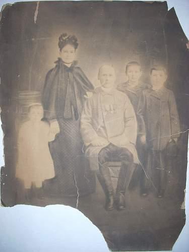 Click image for larger version.  Name:Szumlinski Family.jpg Views:216 Size:238.3 KB ID:82664
