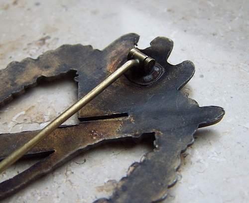 Bronze Infanteri Sturmabzeichen Original or Fake ?