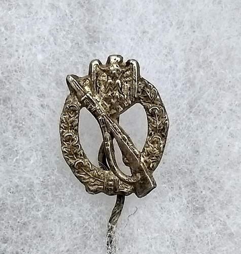 Infanterie Sturbabzeichen 16mm Stick Pin