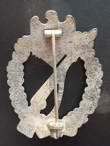 Infanterie Sturmabzeichen in Silber, which maker ?