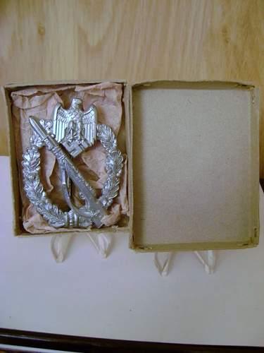 Boxed S.H.u.Co 41 Infanterie Sturmabzeichen