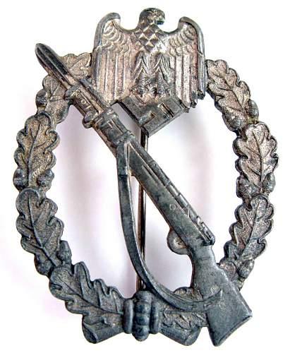 Help determin originality - 2 different Infanterie Sturmabzeichen in Silber.
