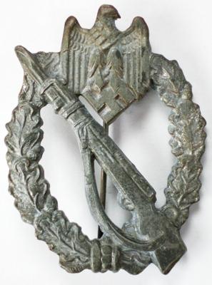 Strange Infanterie Sturmabzeichen....