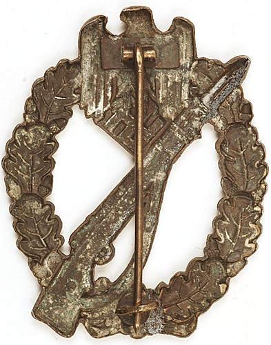 Infanterie sturmabzeichen in bronze hollow.