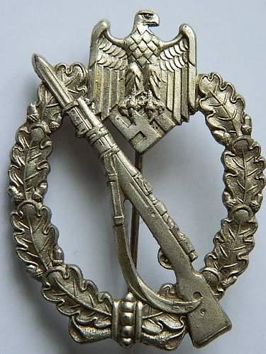 Unmarked Infanterie Sturmabzeichen.