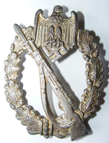 InFanterie Sturmabzeichen is it real ??