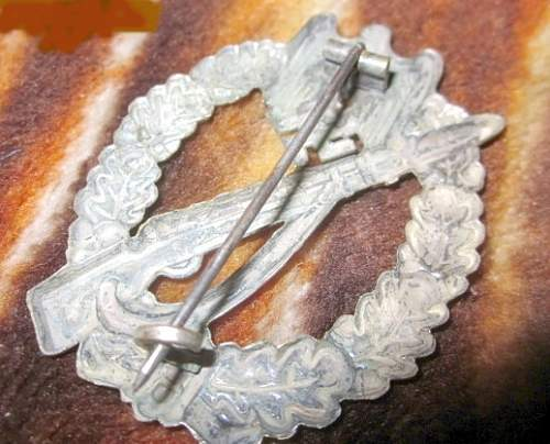 Click image for larger version.  Name:german-ww2-infantry-silver-badge-3rd-reich-32c4.jpg Views:82 Size:73.5 KB ID:494466