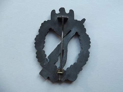Infanterie Sturmabzeichen original or repro?.