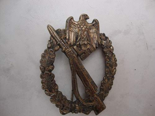Click image for larger version.  Name:medals 055.jpg Views:39 Size:231.8 KB ID:72394