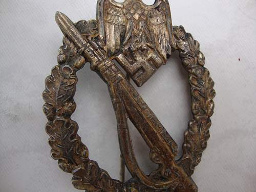 Click image for larger version.  Name:medals 058.jpg Views:39 Size:234.9 KB ID:72397