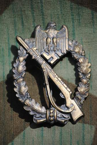 Click image for larger version.  Name:robs militaria 087.jpg Views:142 Size:342.6 KB ID:728422