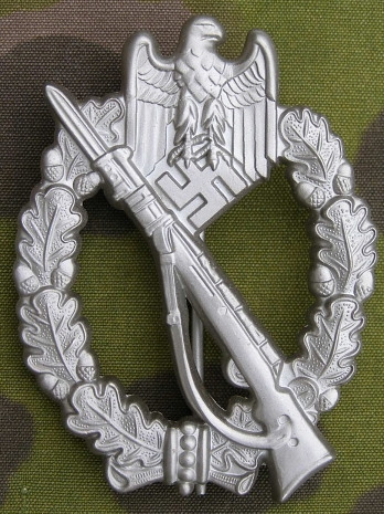Infanterie Sturmabzeichen in Silber, marked RS for opinion