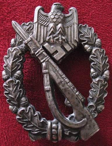 Infanterie Sturmabzeichen rivet rarity? bronze