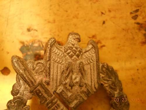 Infanterie Sturmabzeichen, comparison real/fake