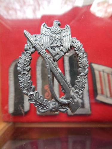 Infanterie Sturmabzeichen - non maker marked. help on ID, good one or bad one?