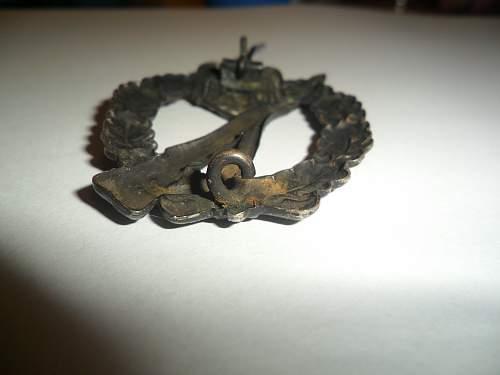 Infantry assault badge hollow in bronze