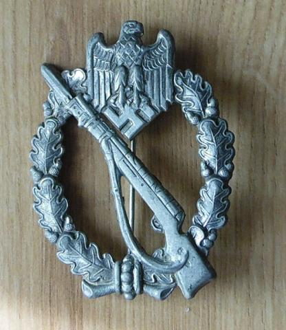 Help please with Infanterie Sturmabzeichen in Silber