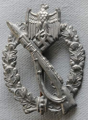 Click image for larger version.  Name:Infantry Assault Badge front.jpg Views:109 Size:226.7 KB ID:936699