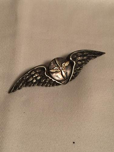 WWII or WWI sterling sliver Aviator Pilot AAF wings Pin ?  Unique BRITISH ? US ?