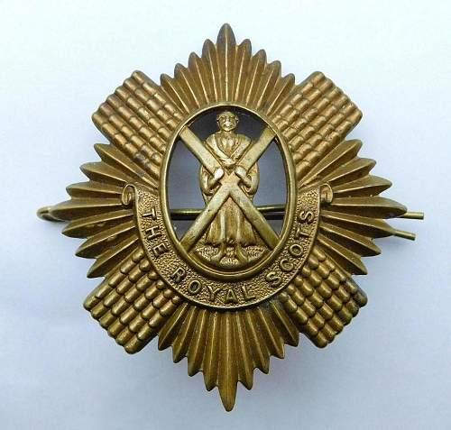 British cap badge Royal Scots (Lothian Regiment) WWI economy all brass issue