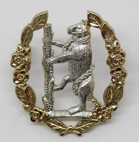 Unusual Warwickshire & Worcestershire Yeomanry Cap Badge