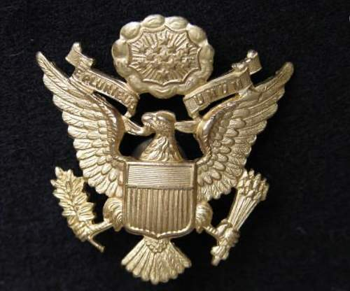 US WW2 J.R. Gaunt made U.S. Army officers cap badge for review