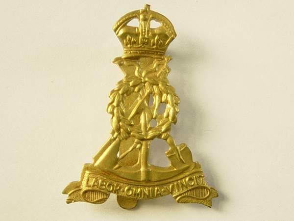 Click image for larger version.  Name:Pioneer Corps Cap badge..jpg Views:292 Size:140.3 KB ID:19088