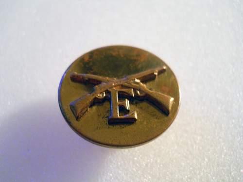 WWII US brass collar disc??