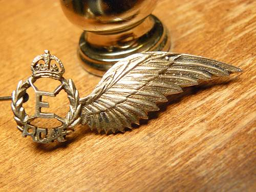 Jewelers made RCAF Flight Engineer half wing in silver ?