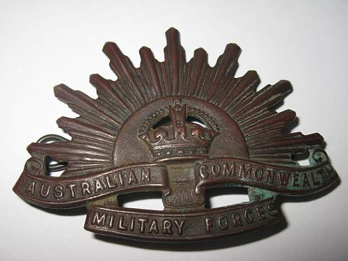Click image for larger version.  Name:aussy cap badge 001.jpg Views:732 Size:244.6 KB ID:313996