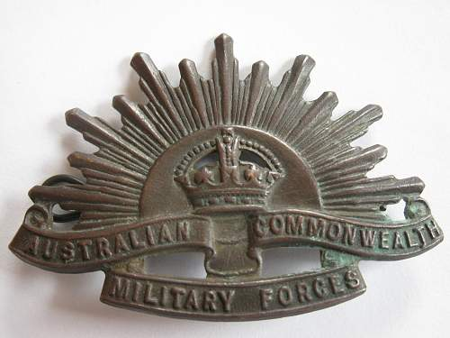 Click image for larger version.  Name:aussy cap badge 002.jpg Views:464 Size:244.4 KB ID:313997