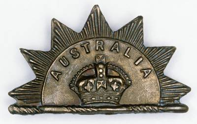 WWI or WWII Australian hat badge