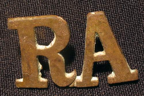 Help identify British insignia found in Latvia!