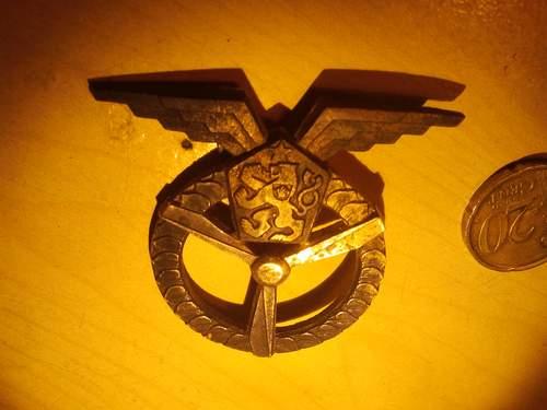 Need help identifying this badge