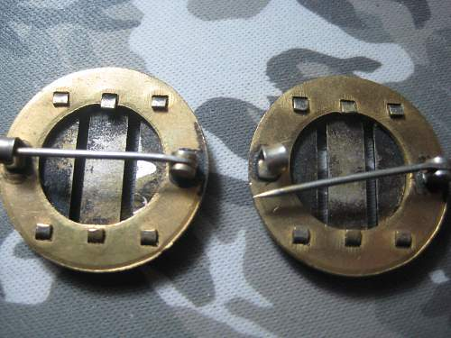 Need Help, Unknown Collar Disks, 3 bar pinback