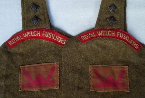 Uniform cutoff insignia set