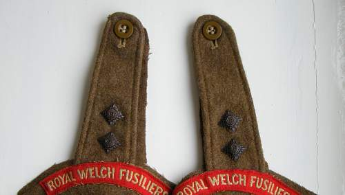 Click image for larger version.  Name:53rd RWF button detail.jpg Views:90 Size:177.4 KB ID:489363