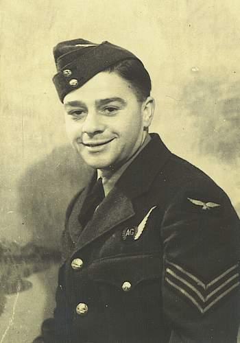 Wireless Operator Air gunner badge.