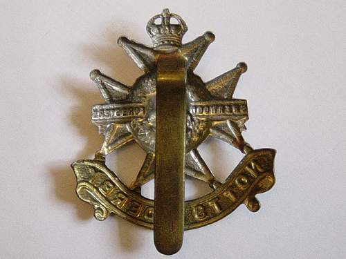 Click image for larger version.  Name:Notts and Derbys Regt cap badge reverse..jpg Views:300 Size:138.7 KB ID:61981
