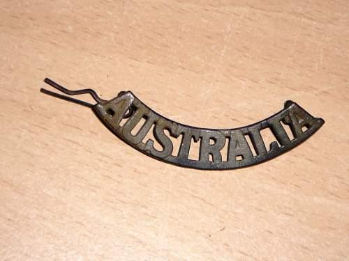 Click image for larger version.  Name:Shoulder Australia Badge  6 Jan 14 lightly touched  (2) (Medium).JPG Views:25 Size:164.6 KB ID:625571