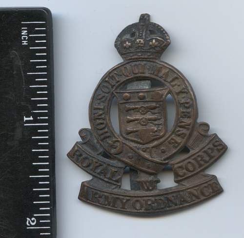 Is this from WWII ? And what type of badge is it?