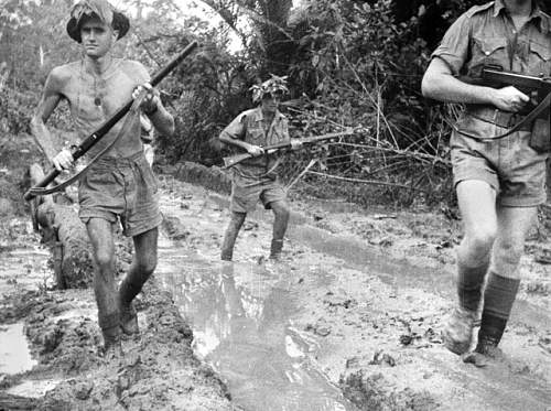 Click image for larger version.  Name:Australian_troops_at_Milne_Bay[1].jpg Views:52 Size:238.8 KB ID:626439