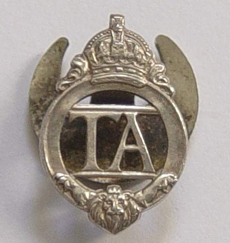 British Territorial Army lapel badge