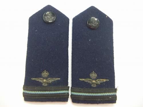 Click image for larger version.  Name:WW2 RAAF Shoulder Boards Winter Uniform 1.jpg Views:285 Size:148.0 KB ID:749697